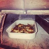 Portable outdoor wood fired pizza oven 70x70 Ideal for those with little space and want to make great pizzas, traditional style! Vendita forni e accessori per pizza arrosti e pane Made in Italy sul nostro shop online ufficiale Pizzapartyshop.com  Selling original pizza ovens and accessories for pizza roast and bread Made in Italy by the our official shop online pizzapartyshop.com Email: info@genotemasurl.com #pizzaparty #pizzapartyovens  #woodfirepizzaoven #houtoven #italianfood #mobilewoodfiredpizza #cookingtime #pizzaovens #pizzaovn #pizzapartyoven #palepizza #outdoorpizzaovens #portablewoodfiredoven #italianpizza #outdoorcooking #holzofen #neapolitanpizza #outdoorkitchen #fornopizza #pizzaofen #fourabois #fourapizza #fornialegna #fornoalegna #vedovn #homemadepizza #pizzafattaincasa #pizzapeels #pizzapartyshop